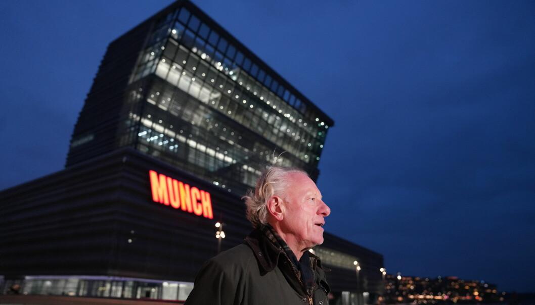 Direktør for MUNCH, Stein Olav Henrichsen foran bygningen Munchmuseet nå overtar i Bjørvika i Oslo. Planlagt åpning er til høsten.