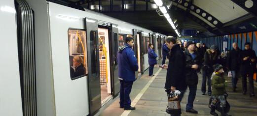 - Forbanna pakkis og dritt. Oppfør deg som nordmann, sa kvinnen (63) på T-banen. Nå er hun dømt for hatefulle ytringer