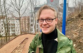 Se videoen om Noah (24): — Vanskeligere å være ikke-binær i Danmark enn i Oslo