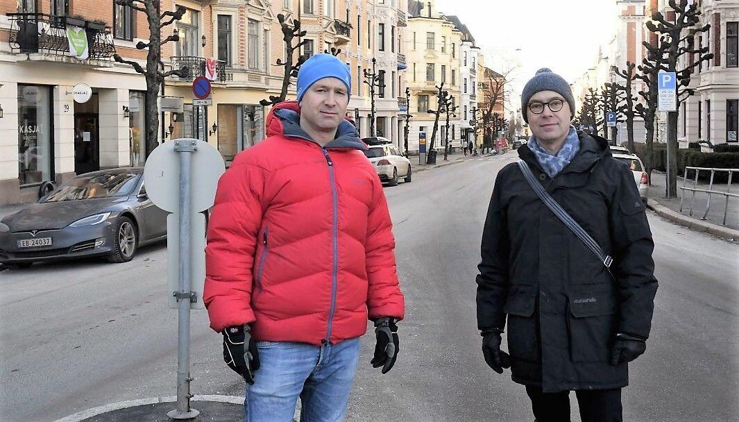 Skovveien-beboerne Jesper Jørgensen (t.v) og David Husum kjemper mot planene om å flytte Briskebytrikken til Skovveien. Onsdag fikk de taletid i bystyrets miljø- og samferdselsutvalg.