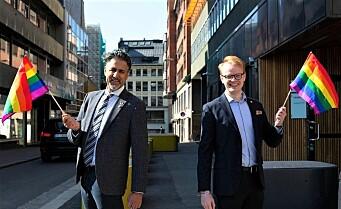 Raja gir halv million til Oslo Pride