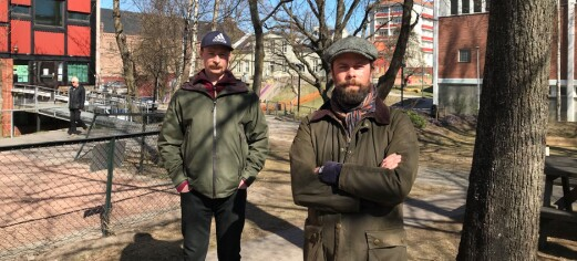 Anders (42) og Daniel (40) er opprørte over sommerplanen for barnehager i bydel Sagene