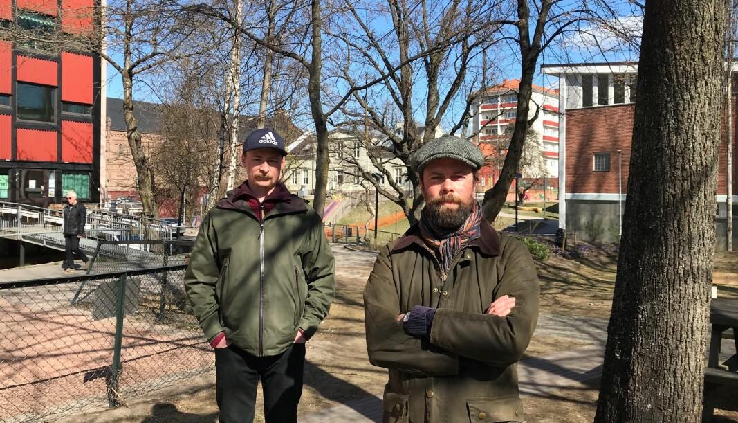 Anders B. Bisgaard og Daniel Andersen har barna sine i Thor Olsens barnehage på Sandaker. Nå uttrykker de misnøye med opplegget for bydel Sagenes barnehager i sommer.
