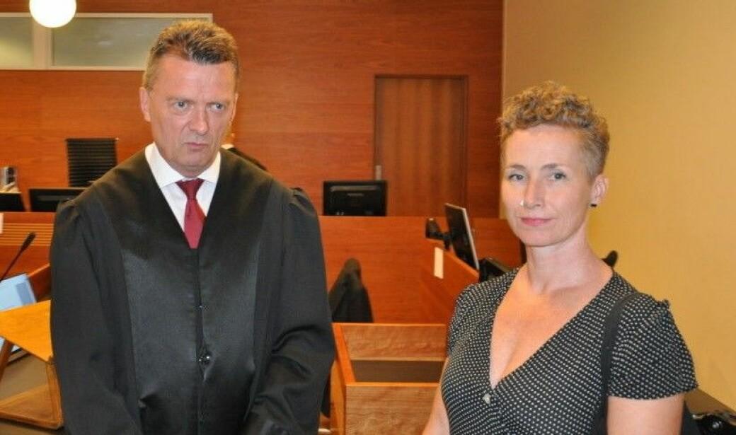 — I praksis betyr det at de som først blir mistenkeliggjort er de med utenlandskklingende navn og mørkere hudfarge, sier advokat Brynjulf Risnes og Live Glesne Kjølstad.