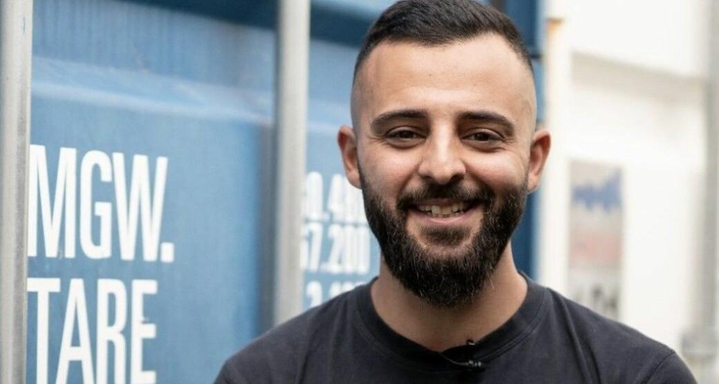 Kasem Youssef fra Holmlia skulle egentlig bli rørlegger. Men angrer ikke på at han valgte elektrofag på videregående i stedet.