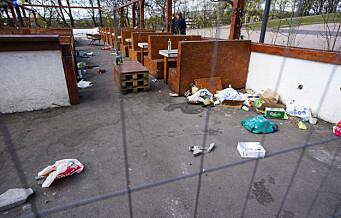 Søppelet flyter etter gigantisk utendørsfest på St. Hanshaugen. Kommunen står igjen med ryddejobben