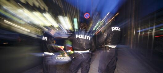 To knivhendelser ved Carl Berner og på Grünerløkka. Mann bitt av politihund fraktet til legevakt