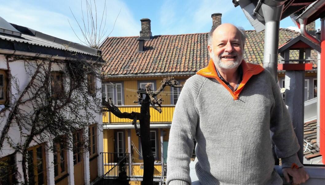 Journalist Björn Lindahl på Kampen er fasinert av katter, og av hvordan vi bryr oss om både store og bitte små nyheter