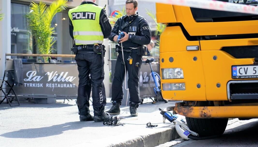 En kvinne måtte amputere et ben etter å ha blitt påkjørt av en lastebil i Grønlandseiret i fjor sommer.