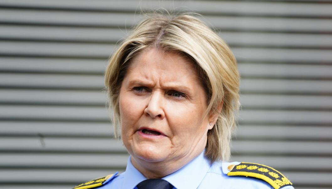 Leder for etterforskning og etterretning i Oslo politidistrikt, Grete Lien Metlid, bekreftet onsdag ettermiddag at de ser på en mulig forretningsmessig relasjon mellom drapsofferet og den siktede mannen.