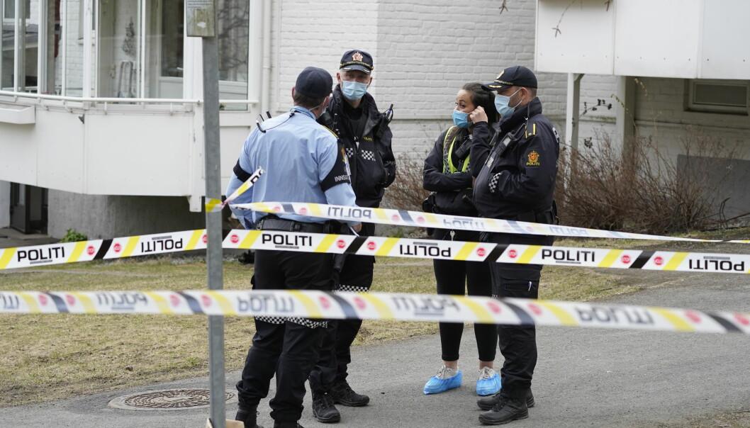 En mann er kritisk skadd etter å ha blitt stukket med et stikkvåpen ved Bunnpris på Lambertseter. Det skal ha vært et slagsmål i forkant av hendelsen.