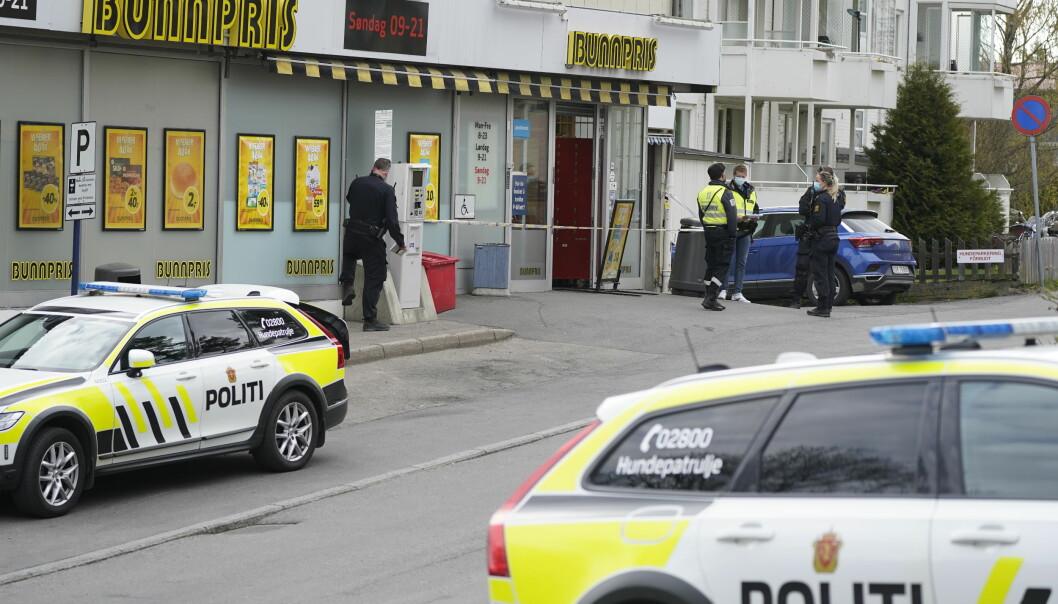 En ansatt på Bunnpris ble torsdag knivstukket. Nå er en mann siktet for drapsforsøk etter hendelsen.