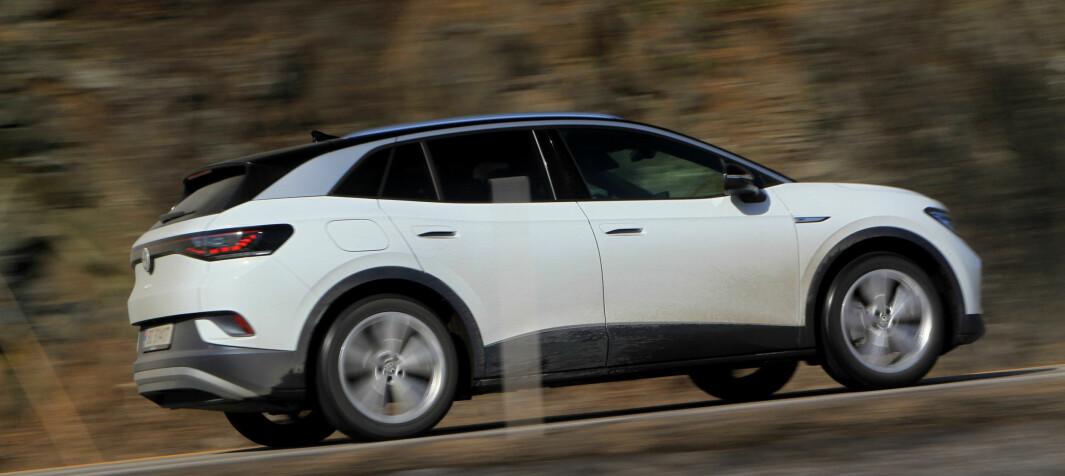 Nær 7 av 10 nye biler solgt i Oslo er elektriske. Samtidig vil flere partier gjøre elbil dyrere