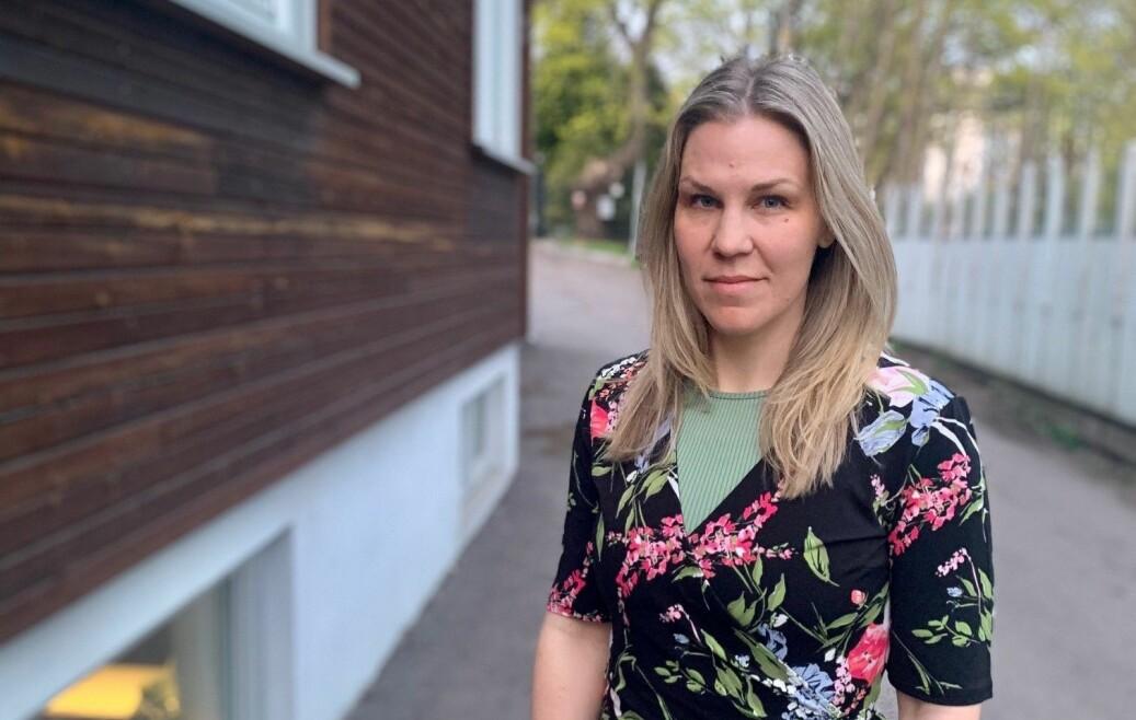 Angela Sundbäck bor på Hylla med sin familie,og er sterkt kritisk til Bane Nors fremgangsmåter i den pågående prosessen om tvangsflytting.