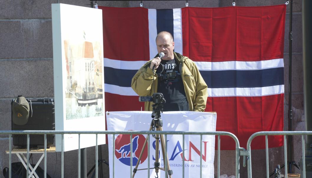 Politiet avviser at de frarådet Lars Thorsen og Sian å brenne Koranen foran Stortinget lørdag.
