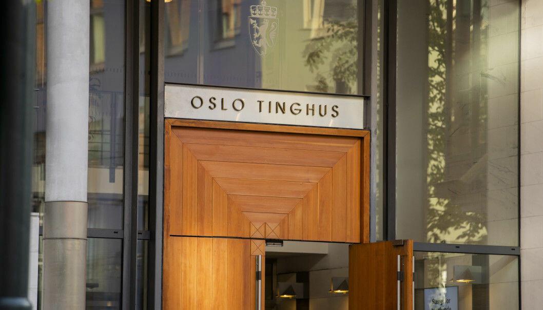 Den 32 år gamle mannen skal ha begått de grove seksuelle overgrepene ved ulike adresser i Oslo, både boliger og hoteller. Han nekter straffeskyld og har anket forvaringsdommen fra tingretten.