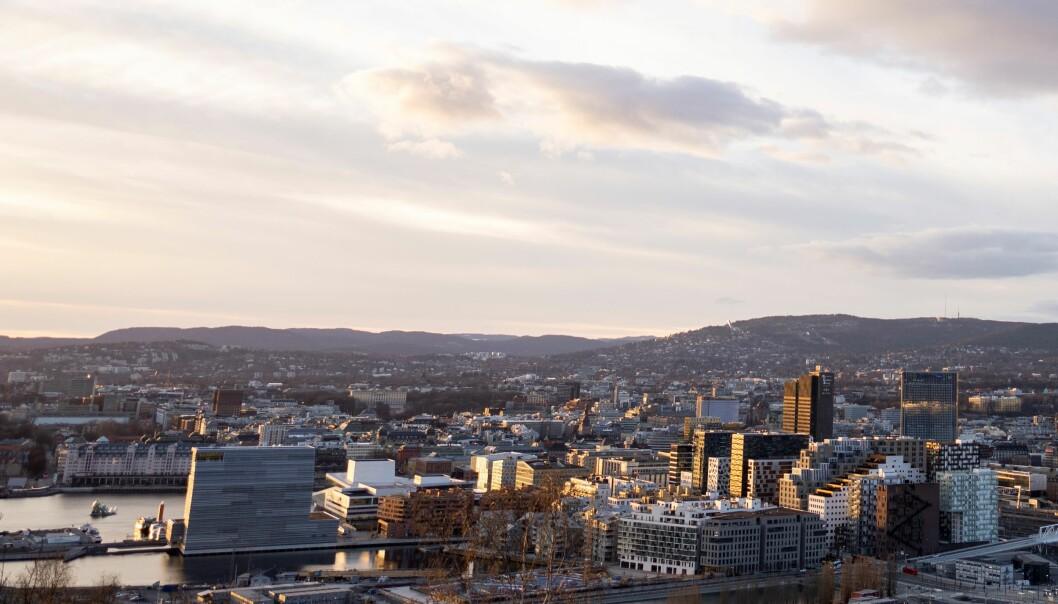 Solnedgang over Oslo - som i 1624 het Christiania og var den første norske byen som fikk innført murtvang.