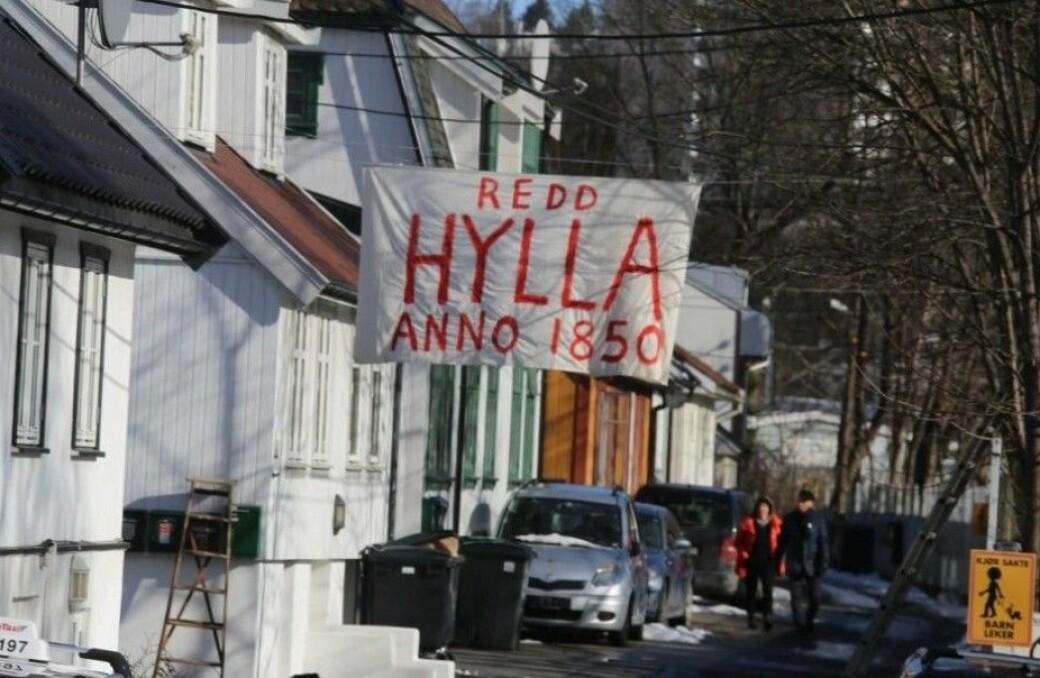 Det er nå samlet inn over 180.000 kroner til advokathjelp for beboerne på Hylla. Nå oppfordres nærmiljøet til å sende klage på bystyrets vedtak som tillater Bane nor å rive husene.