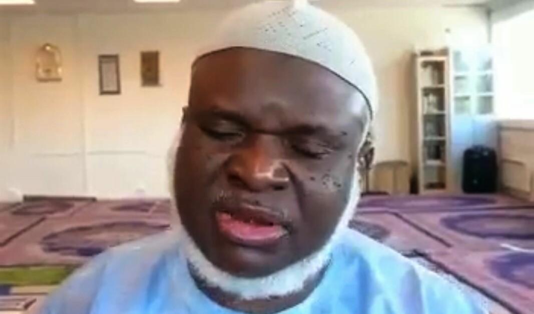 Imam Saidy i den gambiske moskeen på Linderud preker et budskap om fred, forsoning og tilgivelse.