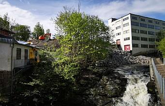 Snart kan du titte ut på Alnaelva fra badstuen i Svartdalen. I dag begynner byggingen