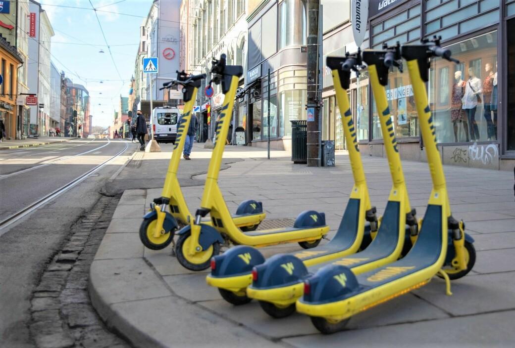 Fra nå av skal Oslo kommune kreve inn gateleie for elsparkesykler, vedtok bystyret onsdag kveld. Leien er høyest i sentrum og så synker den i soner utenfor Ring 1.