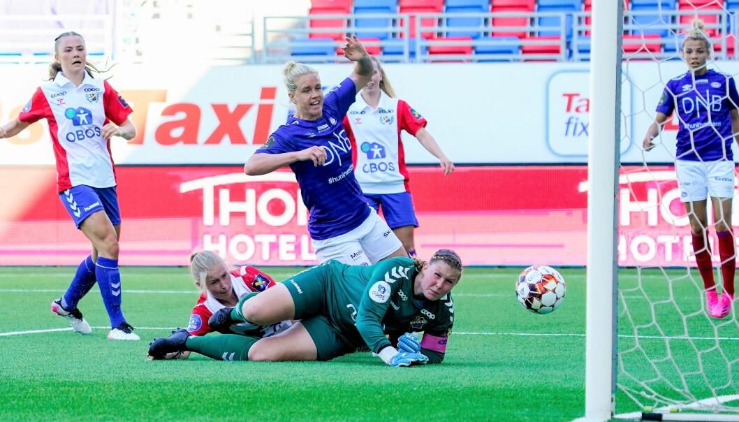 Elise Thorsnes scoret to mål da Vålerenga slo Lyn 4-0 i ettermiddagens byderby på Intility arena.