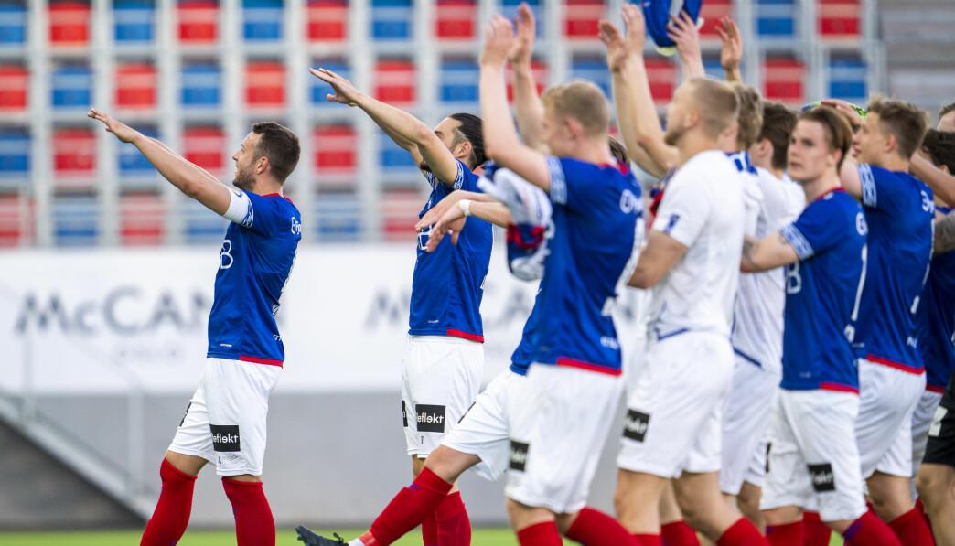 Vålerenga og Jonatan Tollås Nation jubler etter eliteseriekampen mellom Vålerenga og Sandefjord i Oslo. Foto: Terje Pedersen / NTB