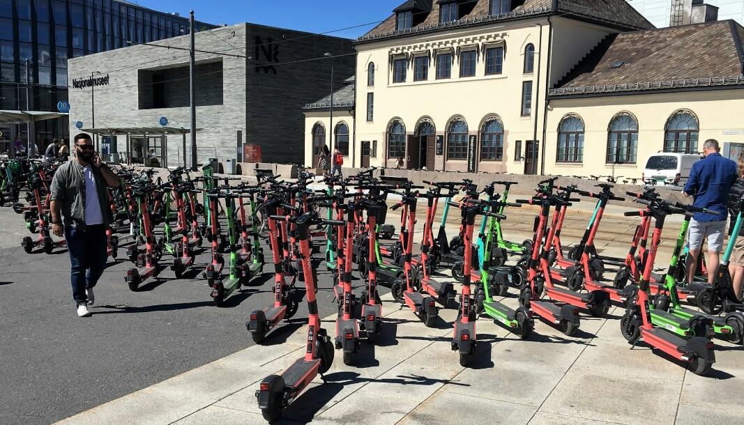 Slik så det ut på Aker brygge forrige helg. Massivt kaos med elskarkesykler