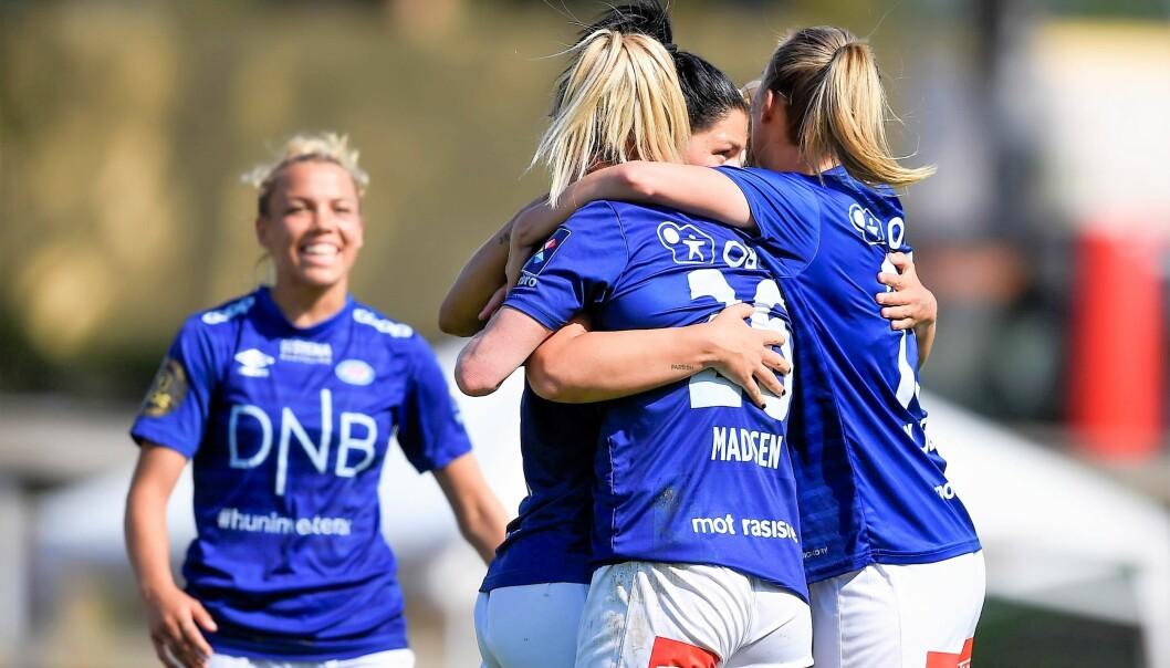 Dejana Stefanovic (delvis skjult) ble den store helten med to mål da Vålerenga-damene slet seg til en 2-1-seier borte mot Kolbotn i ettermiddag.