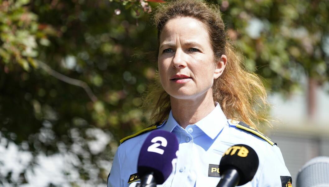 Drapsseksjonsleder Anne Alræk Solem i Oslo politidistrikt holder en pressebrifing etter funn av en død kvinne på Hellerud i Oslo.