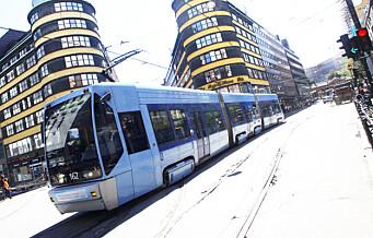 En person ble onsdag kveld knivstukket i Storgata i Oslo sentrum. Personen har fått et kutt i armen