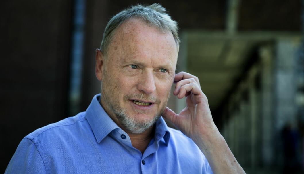 Byrådsleder Raymond Johansen får kritikk av opposisjonen i Oslo for ikke å ha fulgt alle rådene fra helsemyndighetene.