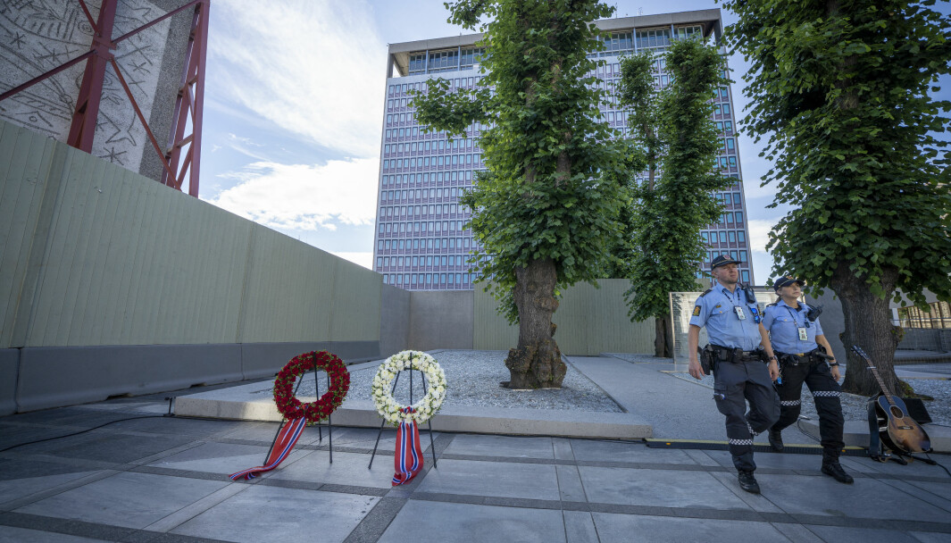 Bildet er tatt i forbindelse med den nasjonale støttegruppen og AUFs markering i Regjeringskvartalet i fjor, på niårsdagen for terrorangrepet mot regjeringskvartalet og Utøya. Foto: Heiko Junge / NTB