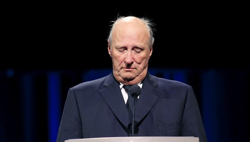 Kong Harald holdt tale 22. august 2011, under den nasjonale minneseremonien etter terrorangrepene i Oslo og på Utøya i Oslo Spektrum. Foto: Cornelius Poppe / NTB