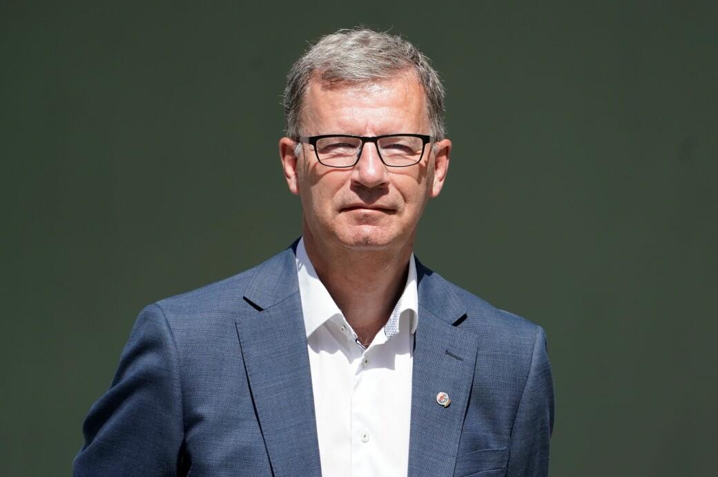 Løftet om å tilby alle voksne i Oslo første vaksinedose iløpet av uke 29 kan ryke, frykter Robert Steen (Ap).
