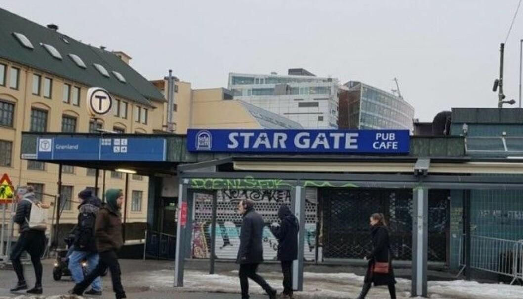 Slagsmålet skjedde like ved Grønlands-puben Stargate rett ved Akerselva og en nedgang til T-banen.