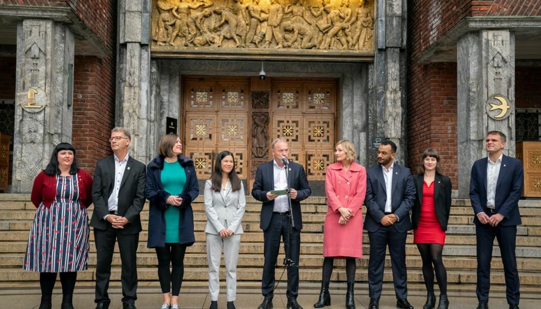 Hele det rødgrønne Ap/SV/MDG-byrådet går av etter at byrådsleder Raymond Johansen (Ap) definerte flertall for mistillit mot miljøbyråd Lan Marie Berg (MDG) som mistillit mot hele hans mannskap.