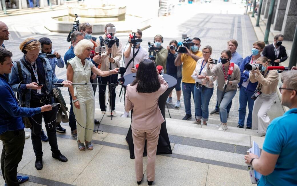Lan Marie Berg (MDG) møter pressen etter at flertall for mistillit mot henne utløste byrådskrise i Oslo.