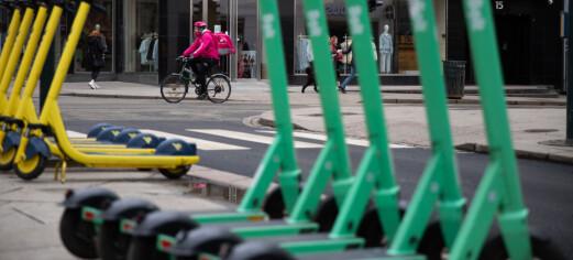 En person er sendt til sykehus etter en ulykke med en elsparkesykkel på Bjerke
