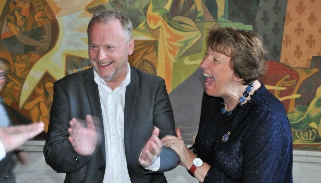 Raymond Johansen (Ap) og ordfører Marianne Borgen (SV) under lystig samtale i Rådhuset i 2019 . Alt tyder på at ordføreren igjen peker på Johansen som byrådsleder i Oslo.