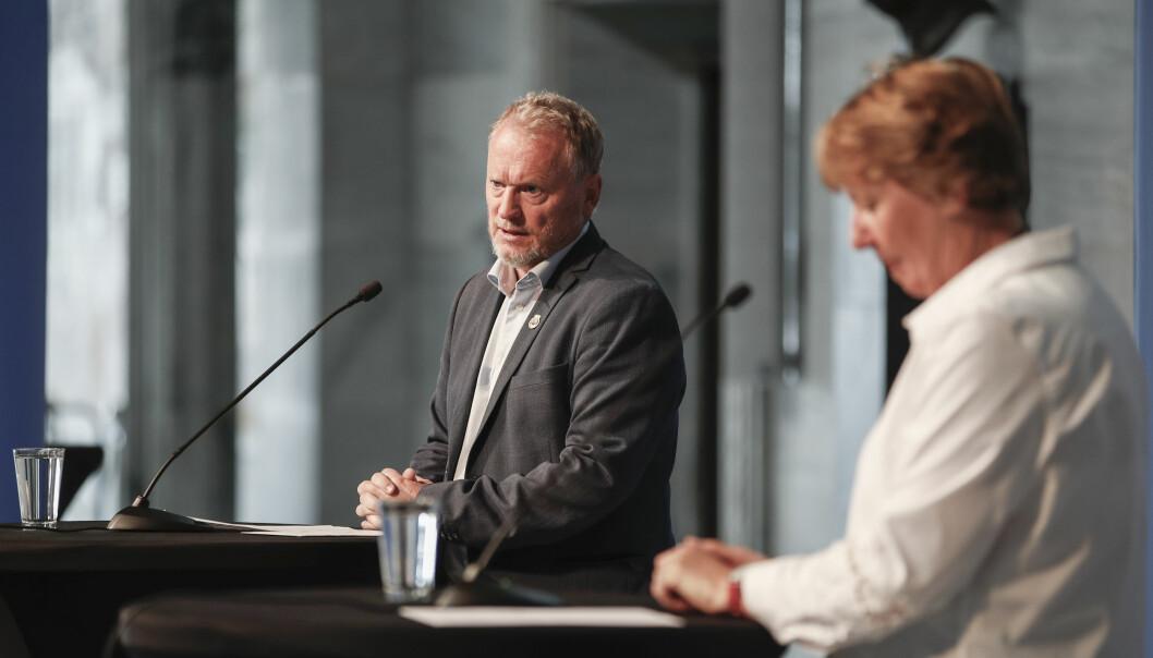 Ordfører Marianne Borgen (til h.) rett etter at hun har gitt Raymond Johansen (Ap) i oppdrag å danne nytt byråd i Oslo - det såkalte Johansen II-byrådet.