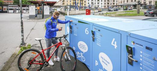 Sjekk denne nye sykkelparkeringen på Majorstuen. I en boks som opptar tre bilparkeringer, får ti sykler plass