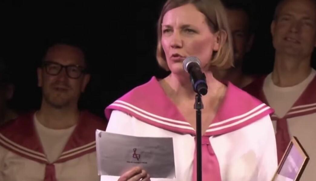 Dirigent Therese Kinzler Eriksen en var også på festen i 2003, hvor ideen om koret kom. Frihetsfølelsen fra festen har hun tatt med videre inn i frihet fra sjangere og forventninger, sa hun i takketalen sin.