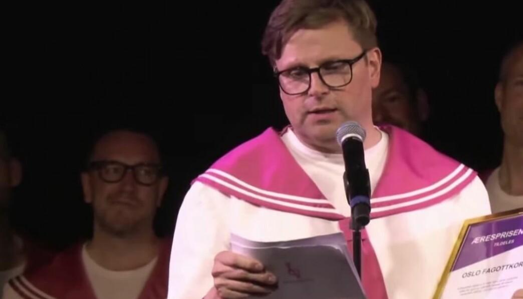 Korleder Steinar Svendsen fortalte om festen i 2003, hvor ideen om et kor ble unnfanget. — Vi var en gjeng syngende menn som var glad i andre, syngende menn. Det ble gøy, slo han fast.