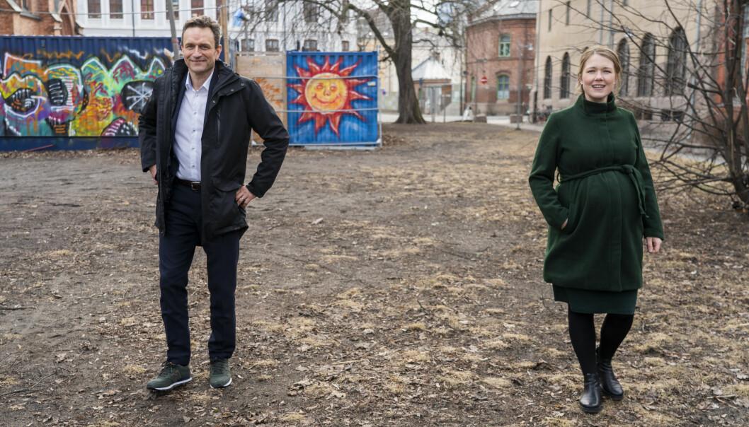 Miljøpartiet De Grønne får 6,7 prosent oppslutning på Aftenpostens siste stortingsmåling for Oslo. Men om de skulle stemt ved kommunevalg, oppgir nesten dobbelt så mange – 13,1 prosent – at de ville stemt på MDG. Her fungerende partileder Arild Hermstad (t.v.) sammen med partileder Une Bastholm, som er i fødselspermisjon.