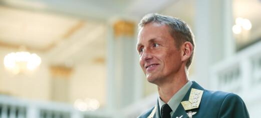 - Folk skal få elske den de vil, sier Eirik Kristoffersen. Han blir den første forsvarssjefen i Oslo Pride-parade