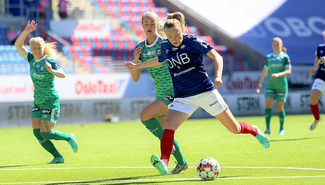 Firemålsscorer Synne Jensen og Vålerenga-damene lekte seg med gjestene fra Klepp hjeme på Intility arena i ettermiddag.