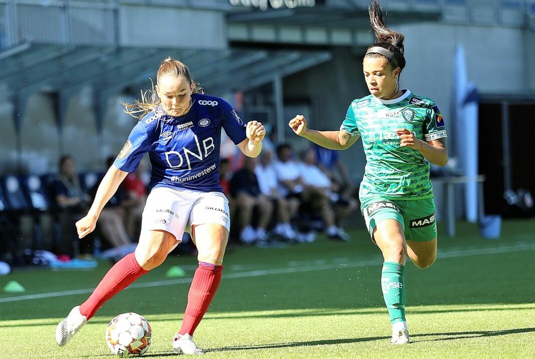 Kampens store spiller, Janni Thomsen, skapte stadig problemer for et vaklevorent Klepp-forsvar.