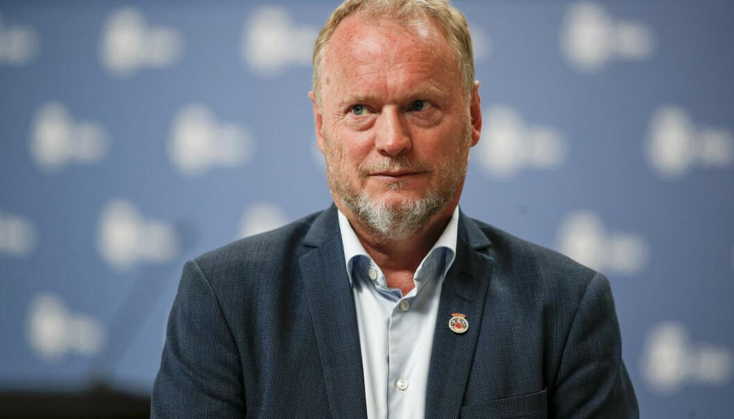 «I går gikk flere Oslo-leger ut og advarte mot kjøring på natten, på grunn av mange alvorlige skader nattestid. Det støtter jeg», skriver Raymond Johansen på Facebook.