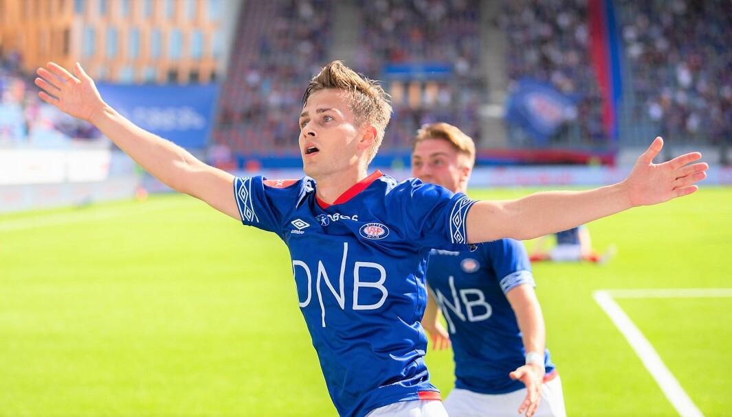 Henrik Udahl jubler etter å ha reddet uavgjort for Vålerenga i lokalderbbyet mot Lillestrøm like før sluttlørdag ettermiddag.